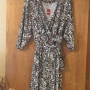 Avenue Blk/Cream Wrap Dress, 18/20, NWT